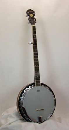 The Alabama ALB30 is a great banjo for the intermediate level player. It features traditional style planetary tuners, a geared fifth string tuner and has a hefty spun aluminum pot.
