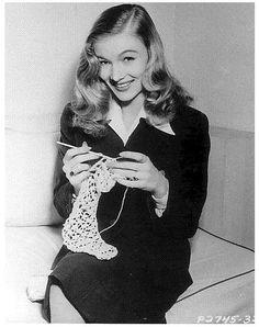 Veronica Lake crocheting