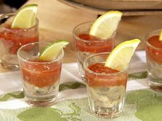 Take an oyster, put it in a shot glass, add a little cocktail sauce, fresh horseradish and jalapeño vodka Fish Dishes, Seafood Dishes, Seafood Recipes, Appetizer Recipes, Seafood Appetizers, Sushi Recipes, Mexican Recipes, Recipies, Oyster Shooter