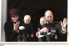Monaco krijgt koninlijke tweeling nog eens te zien - Het Nieuwsblad: http://www.nieuwsblad.be/cnt/dmf20151119_01978980