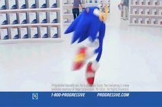 Awkward Sonic Photos<<He looks guilty...!