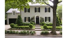 I love this painted Brick Home, such an upgrade. Traditional Exterior Photos Painted Brick Design Ideas, Pictures, Remodel, and Decor Painted Brick Exteriors, Colonial House Exteriors, Colonial Exterior, Design Exterior, Brick Design, Traditional Exterior, Traditional Landscape, Exterior Paint Colors, Painted Bricks