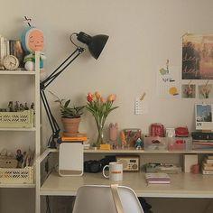 Room Design Bedroom, Room Ideas Bedroom, Bedroom Decor, Korean Bedroom Ideas, Decor Room, Bedroom Inspo, Bedroom Wall, Wall Decor, Desk Inspiration