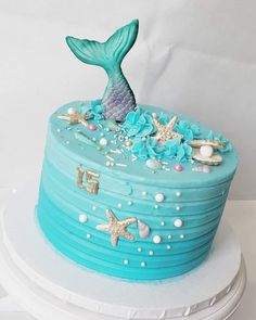 How to Make a Mermaid Birthday Cake Baby Shower Ideas for Girls Ocean Birthday Cakes, Ocean Cakes, Mermaid Theme Birthday, Beach Cakes, Cupcake Birthday Cake, Birthday Cake Girls, Cupcake Cakes, 5th Birthday, Birthday Ideas