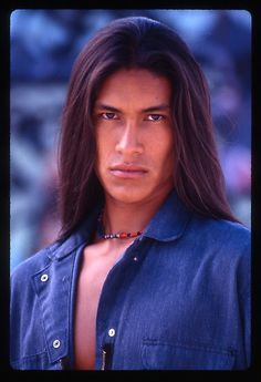 A very handsome and dreamy Native American Male Model. Native American Models, Native American Beauty, Native American Indians, Native Americans, Native Son, American Guy, Indian Man, Native Indian, Beautiful Brown Eyes