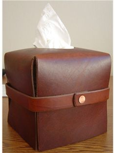 Leather Tissue Box Cover - Click Image to Close Leather Box, Leather Gifts, Small Leather Goods, Leather Craft, Tissue Box Covers, Tissue Boxes, Office Accessories, Leather Accessories, Crea Cuir