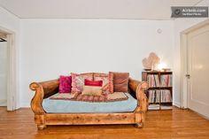 Living Room Settee Sleeper