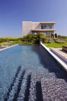 Desain kolam renang luar panjang