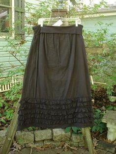 Barclay NWT Fold Over Ruffly Skirt Black Size 1
