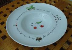 cerises en peinture sur porcelaine