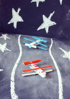 aeroplane with wooden pegs Summer Crafts, Diy Crafts For Kids, Projects For Kids, Operation Christmas Child, Games For Kids, Activities For Kids, Diy Niños Manualidades, Little Man Style, Palette Projects