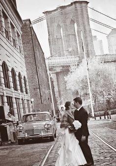 Brooklyn Bridge backdrop #wedding #weddinginvitations