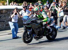 Kawasaki H2R bate record na Ilha de Man - MotoNews - Andar de Moto