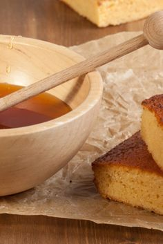 A deliciously easy honey cake perfect for morning coffee or afternoon tea!