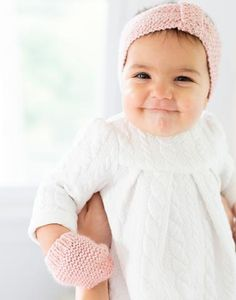 Keep those little hands cozy with these adorable mittens! Hand-knit with Peruvian alpaca and cotton, little ones won't want to take them off. Baby Knitting, Knitted Baby, Baby Mittens, Girls Coming Home Outfit, Baby Alpaca, Toddler Fashion, Hand Warmers, Baby Love, Little Ones