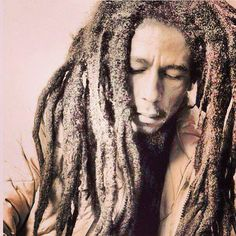 Bob Marley::Natty Dreadlock::Iron Lion Zion:: Robert Nesta Marley::Freedom Fighter::the face that led a Britney Spears, Dancehall Reggae, Robert Nesta, Nesta Marley, The Wailers, Portraits, Music Icon, Music Is Life, Foto E Video