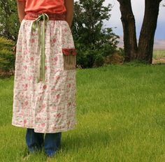 I'm participating in the Summer Fun Apron Swap hosted by A Feathered Nest. I decided this was the perfect excuse to make some more gathering aprons. These are perfect for the girls when they gather eggs from the chickens. No more stretched out shirt bottoms! The apron is also handy for gathering veggies from the …