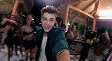 Beauty and a Beat (feat. Nicki Minaj) Video – Justin Bieber