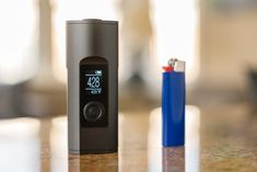 The Arizer Solo 2 isn't your average dry herb vape! Why not check out our review and find out why #arizersolo2 #arizer #dryherbvape #herbalvape #dryherbvaporizer Vaporizer Reviews, Portable Vaporizer, Drying Herbs, Vape, Herbalism, Check, Smoke, Herbal Medicine, Electronic Cigarette