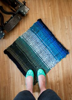 DIY: No Sew Woven T-Shirt Rag Rug