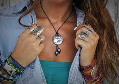 Cuero y collar de perlas nudos de cuero y collar por HappyGoLicky