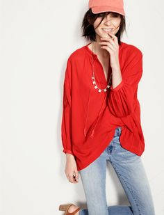 Madewell Embroidered Openview tunic worn with Skinny Skinny crop jeans + Flatdash necklace.