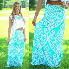 cute way to wear a maxi skirt :)