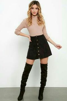 Cool 41 Stunning Winter Outfits Ideas With Jean Skirts. More at http://trendwear4you.com/2018/01/10/41-stunning-winter-outfits-ideas-jean-skirts/