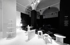 一分为二的黑白世界,来看看 nendo 为 Marsotto Edizioni 打造的展区 | 理想生活实验室