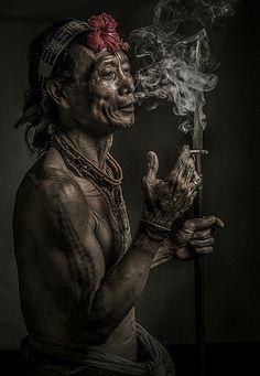 Mentawai Tribesman Portraits, Portrait Art, Island Tattoo, Aztec Art, Tribal People, African Tribes, Borneo, Interesting Faces, People Around The World