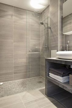40 Amazing Master Bathroom Shower Remodel Ideas on Home Bathroom Ideas 6910 Master Bathroom Shower, Mold In Bathroom, Bathroom Layout, Bathroom Interior Design, Bathroom Ideas, Bathroom Remodeling, Remodeling Ideas, Bathroom Organization, Bathroom Showers