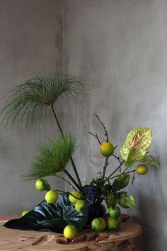 Arrangement by Sophia Moreno-Bunge ( photo by Deco Floral, Arte Floral, Floral Style, Floral Design, Ikebana Flower Arrangement, Flower Vases, Flower Art, Flower Arrangements, Flower Ideas