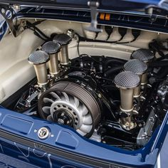 Chapter 13 - Special Wishes For 10 years we have pursued our clients' personal visions for their ultimate, restored air-cooled Porsche… Singer 911, Singer Porsche, Porsche 911 Models, Porsche Cars, Bus Engine, Singer Vehicle Design, Goodwood Festival Of Speed, Car Restoration, Porsche Carrera