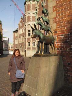 """Bremen - Alemanha """"Os músicos de Bremen"""" - Estátua de bronze de Gerhard Marcks."""