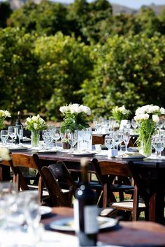 Love the dark wood table and chairs. Simple and rustic | Floret Cadet