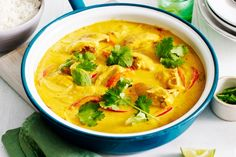 There's no wonder classic mango chicken curry is an Aussie family favourite. There's no wonder classic mango chicken curry is an Aussie family favourite. Mango Chicken Curry, Mango Curry, Thai Red Curry, Indian Food Recipes, Asian Recipes, Healthy Recipes, Ethnic Recipes, Best Curry, Coconut Curry