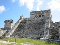 The Tulum temple (photo by Tjeerd Wiersma, Wikimedia, CC-BY 2.0)