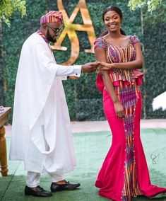Ghanaian Kente fabric and styles is are becoming increasingly popular at African traditional wedding ceremonies bridal styles and dresses African Prom Dresses, African Wedding Dress, Latest African Fashion Dresses, African Print Fashion, Wedding Dresses, African Attire, African Wear, African Women, African Dress