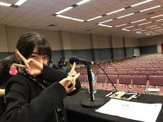 """小坂知■AnimeNEXTなうさんのツイート: """"チームReLIFE 杏as上田麗奈 うえぽん in AnimeNEXT2017 一日目の朝準備写真 会場が広くてビビりましたが アメリカのリライフファンの皆様に沢山お会い出来てとても光栄です。完結編も楽しみと言ってもらえて良かった~(´▽`) https://t.co/GOj76muJ3A"""""""