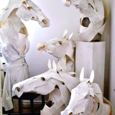 paper sculpture / anna wili highfield Horse Mask for Hermes Book Art, Horse Mask, Horse Head, Instalation Art, Horse Sculpture, Sculpture Ideas, Art Original, Equine Art, Kirigami