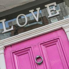 Wer soll am Valentinstag an eurer Tür klopfen? #lastminute #lustminute #love #valentinstag