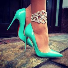 Accessorize your...ankles?! Yep! The classiest and most eye-catching way to add some bling to your ankles for #prom night. u2764ufe0f