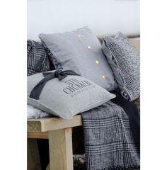 Cortina Classic Paisley Pillow Cover 50x50 - Autumn 2016   Rivièra Maison