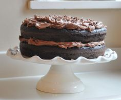 Chocolate Cake Icing, Chocolate Buttercream Frosting, Chocolate Cream Cheese, Just Desserts, Delicious Desserts, Yummy Food, Dessert Recipes, Yummy Treats, Sweet Treats