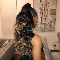 35 Weave Ponytail Hairstyles Weave ponytails are extremely versatile. Here are 35 great weave ponytail looks that suit a variety of personal styles, whether you like it straight or curly. Weave Ponytail Hairstyles, Frontal Hairstyles, Ponytail Styles, Curly Hair Styles, Natural Hair Styles, Black Hairstyles, Teenage Hairstyles, Bridal Hairstyles, Love Hair