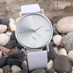 Stylish 2017 White watch women Fashion Wearing Design Dial Leather Band Analog Quartz Wrist Watches best selling DE28 #electronicsprojects #electronicsdiy #electronicsgadgets #electronicsdisplay #electronicscircuit #electronicsengineering #electronicsdesign #electronicsorganization #electronicsworkbench #electronicsfor men #electronicshacks #electronicaelectronics #electronicsworkshop #appleelectronics #coolelectronics