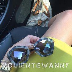BOM DIA!! Quem aí está no trânsito?  #oticaswanny #clientewanny #miumiu #lookoftheday