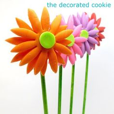 daisy cookie pops-fondant- includes marshmallow fondant recipe