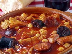 Ed Asner's Favorite Spanish Stew Spanish Stew, Spanish Dishes, Spanish Cuisine, Spanish Food, Spanish Recipes, Chorizo Recipes, Mexican Food Recipes, Bon Appetit, Kitchen Recipes