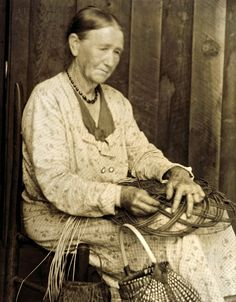 Aunt C. Ritchie, basket-maker, Hindman, KY, by  Doris Ullman, best known for her portraits of people in Appalachia.